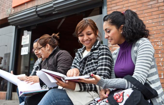 Jóvenes estudiantes del Perú