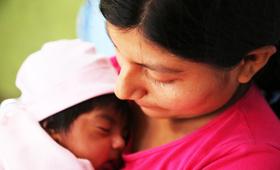 Maritza con su bebe